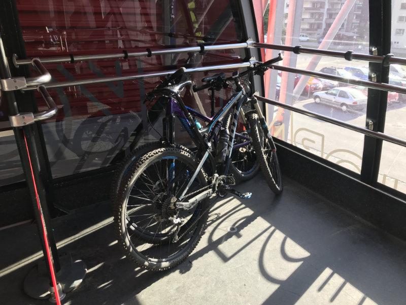 ...auch die Bikes dürfen mit... :-)